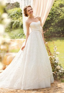 Style #1417, sweetheart neckline lace a-line wedding gown with handmade rose, available in cream