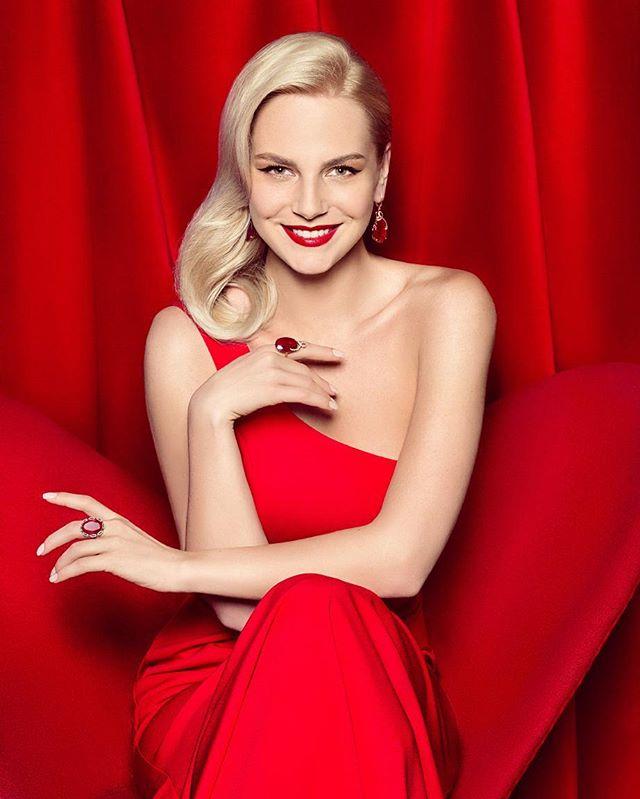 red dresses papilio