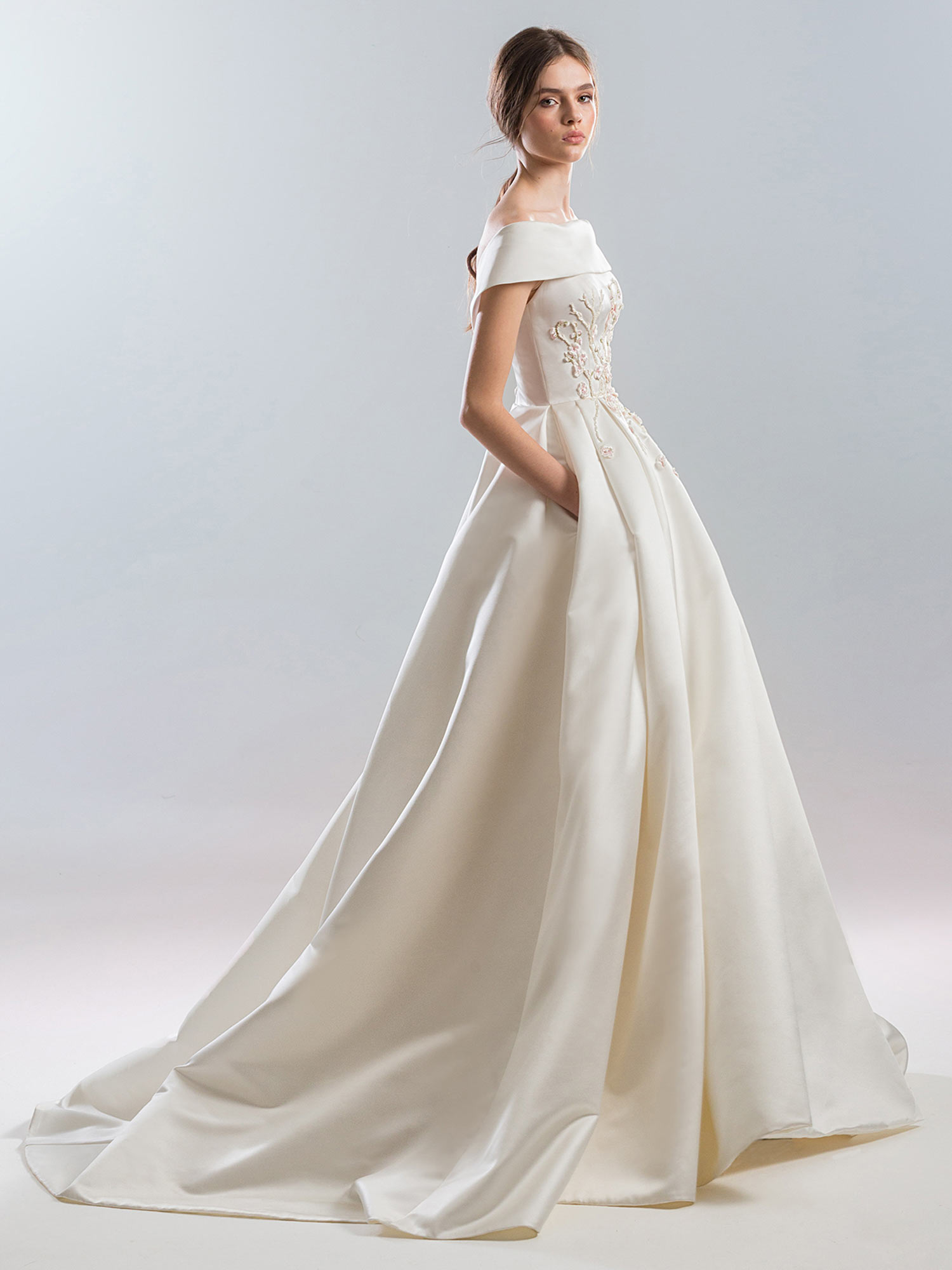Style #1903L, available in ivory (photo), white