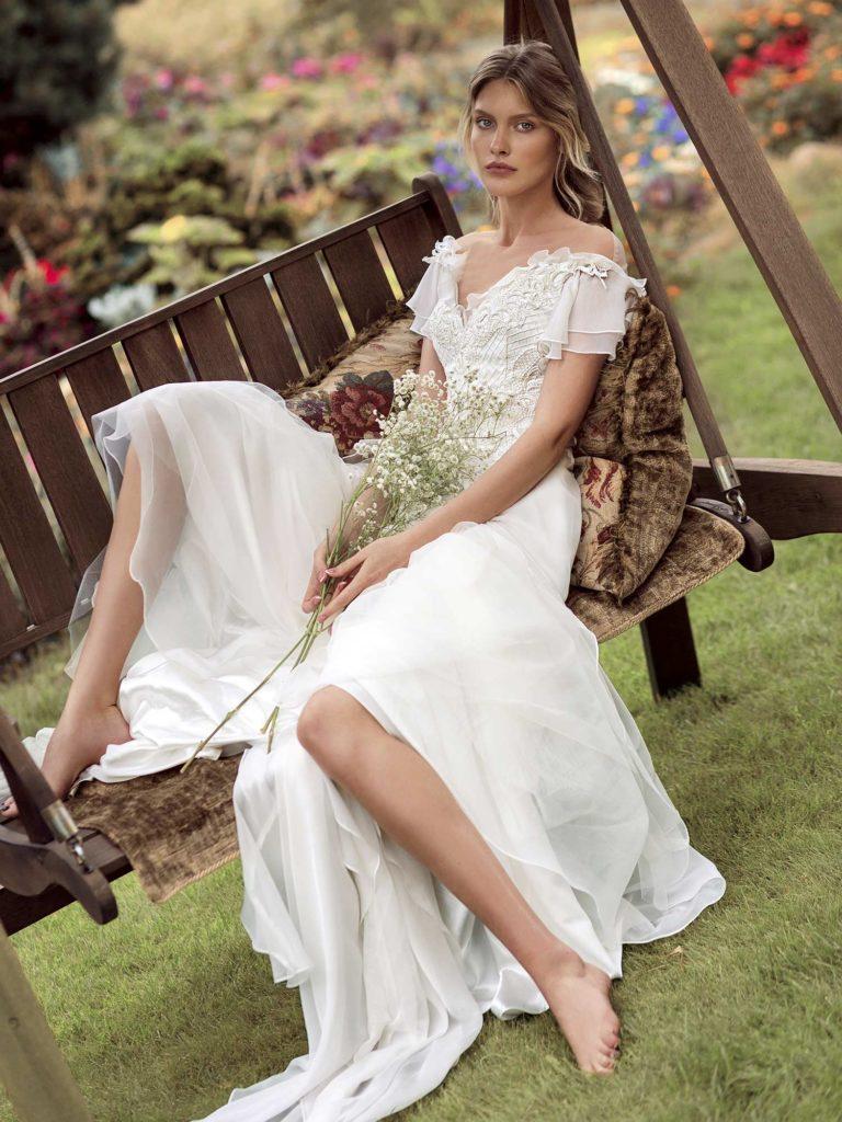 https://www.papilioboutique.com/wp-content/uploads/2018/10/19-2001-1-wedding-dress-Papilio-768x1024.jpg