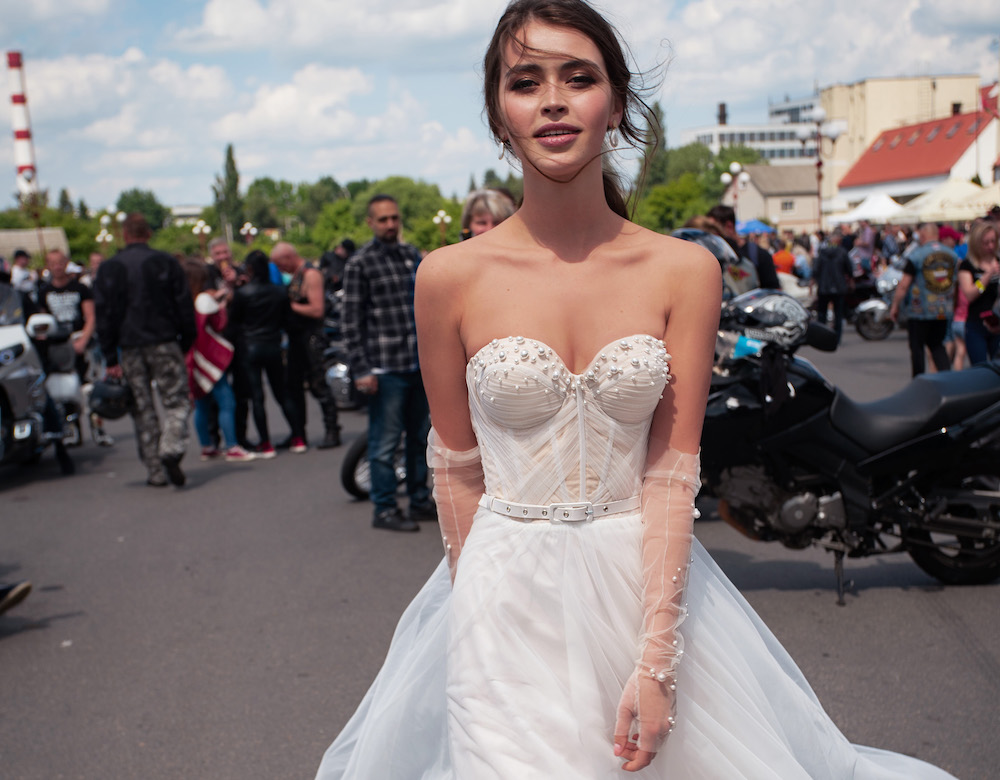 Wedding dresses with bustier corsets
