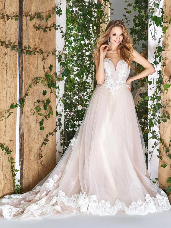 Ball gown wedding dress with sweetheart neckline and lace scalloped hem